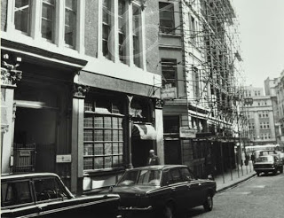 The Falcon Tavern at No.10 Fetter Lane as it appeared in the 1970s (viewed looking south-east into Fleet Street).